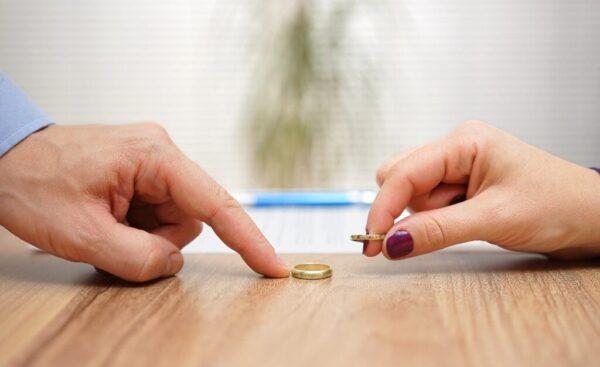 تعریف طلاق و نحوه اقدام آن از طریق وکیل دادگستری