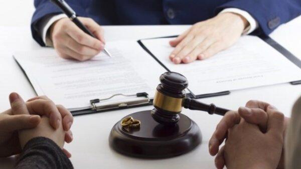 روند دادرسی و وکیل خانواده